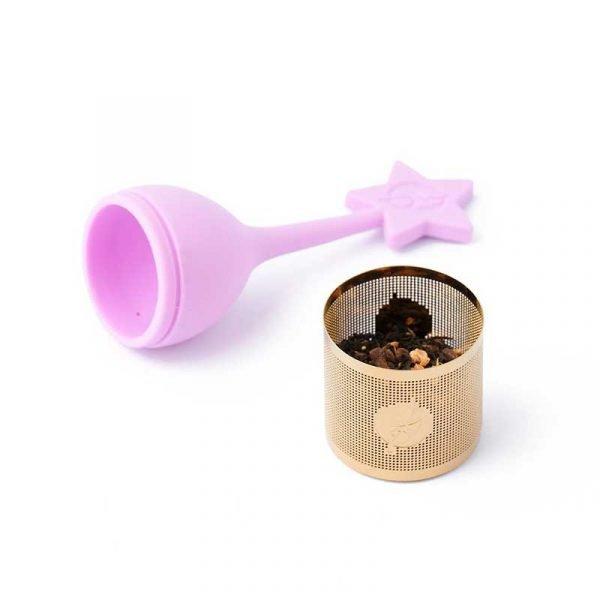 Modo de uso Echar la cantidad recomendada de té en el infusor, tapar. En una taza poner agua a la temperatura indicada y esperar el tiempo recomendado. Retirar el infusor y disfrutar.